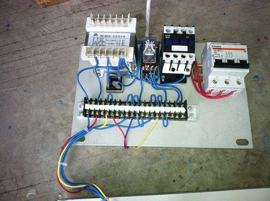 升降机的控制电路
